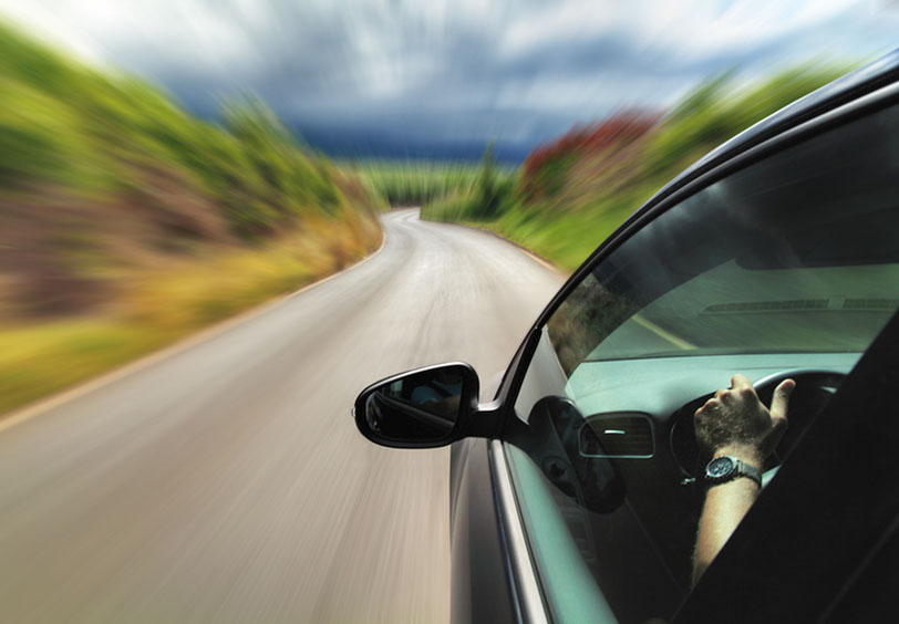 Imatge que representa que l'excés de velocitat és delicte